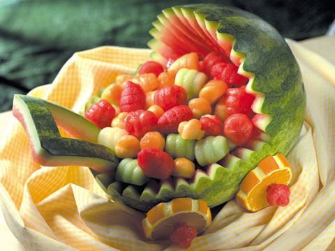 8-amazing-carved-watermelons-07-sl